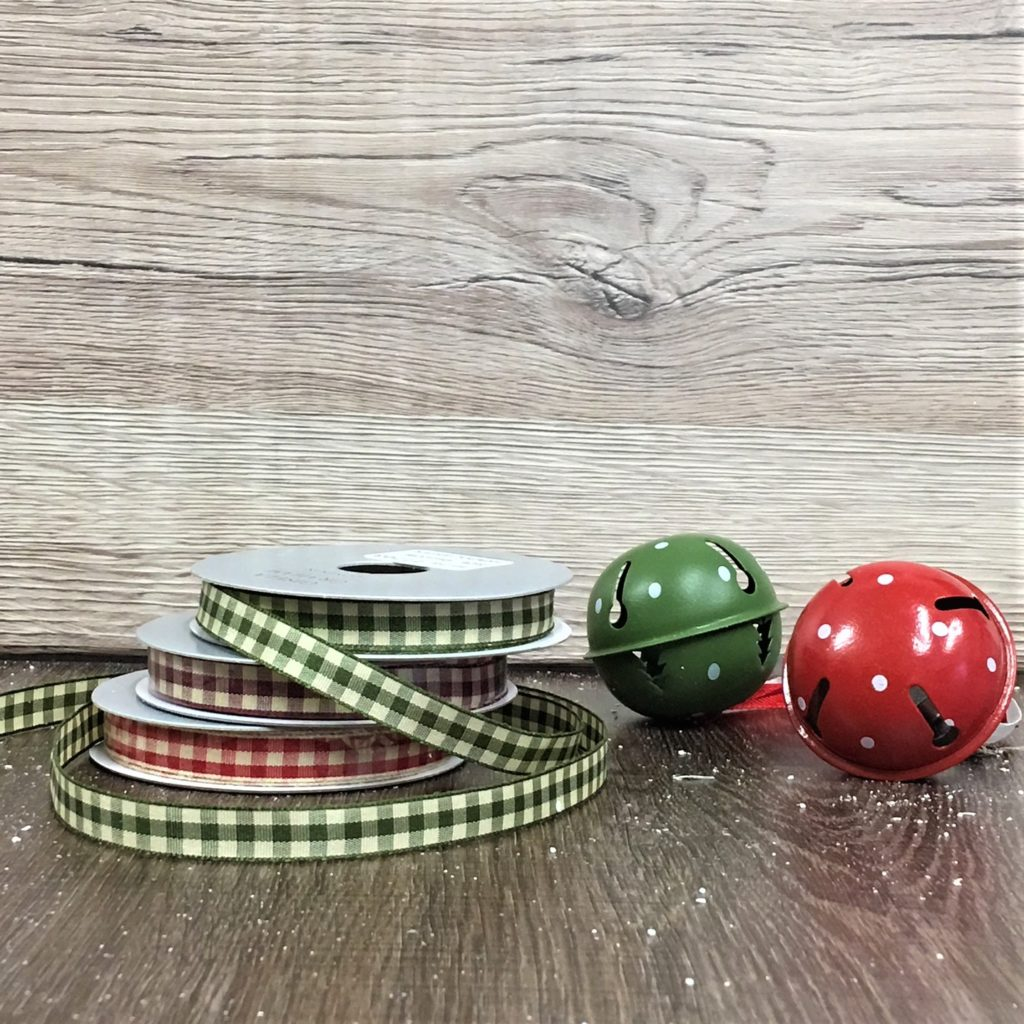 gingham-ribbon-christmas