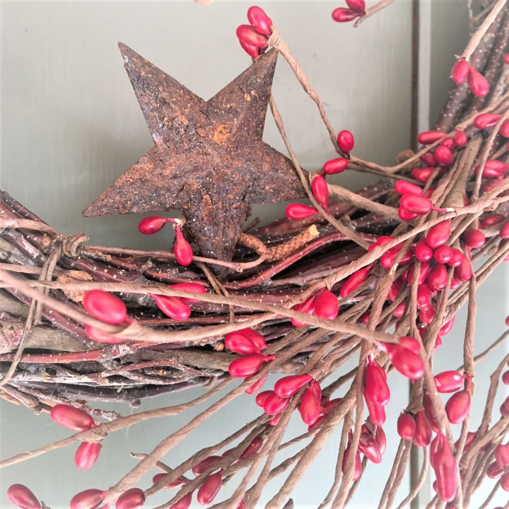 red-berry-rustic-stars-wreath
