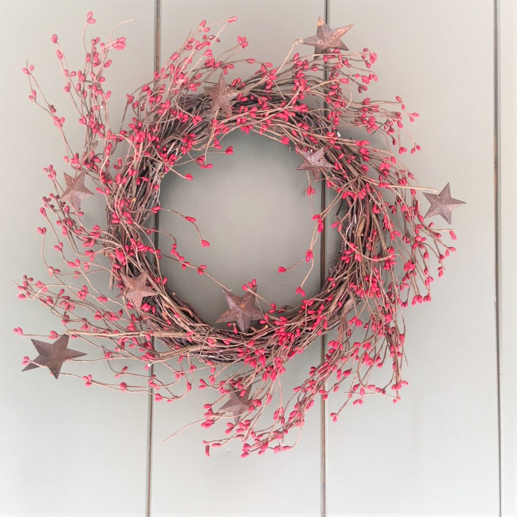 red-berry-rustic-stars-wreath-2