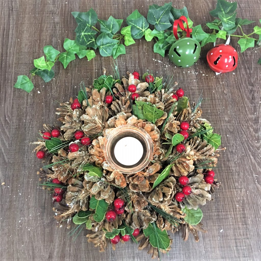 table-decoration-red-berry-tea-light-1