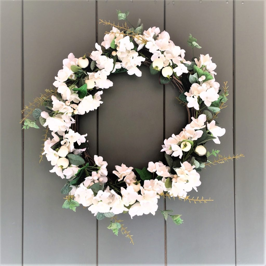white-christmas-berry-flowers-wreath-1