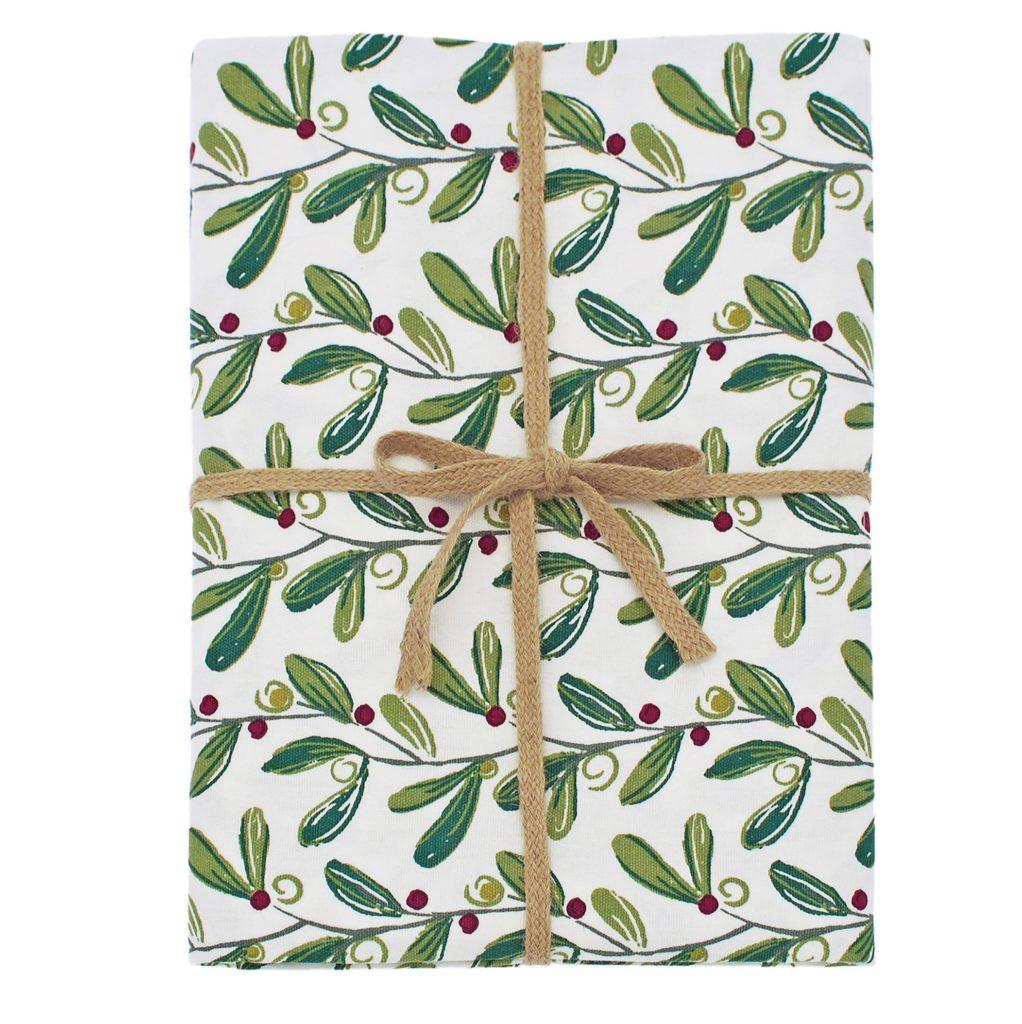 Mistletoe Tablecloth (1)