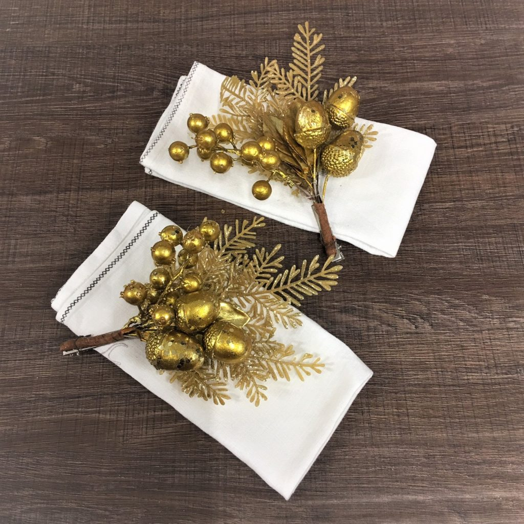 gold-napkin-chair-clips-mood
