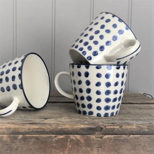 blue-dots-ceramic-mugs