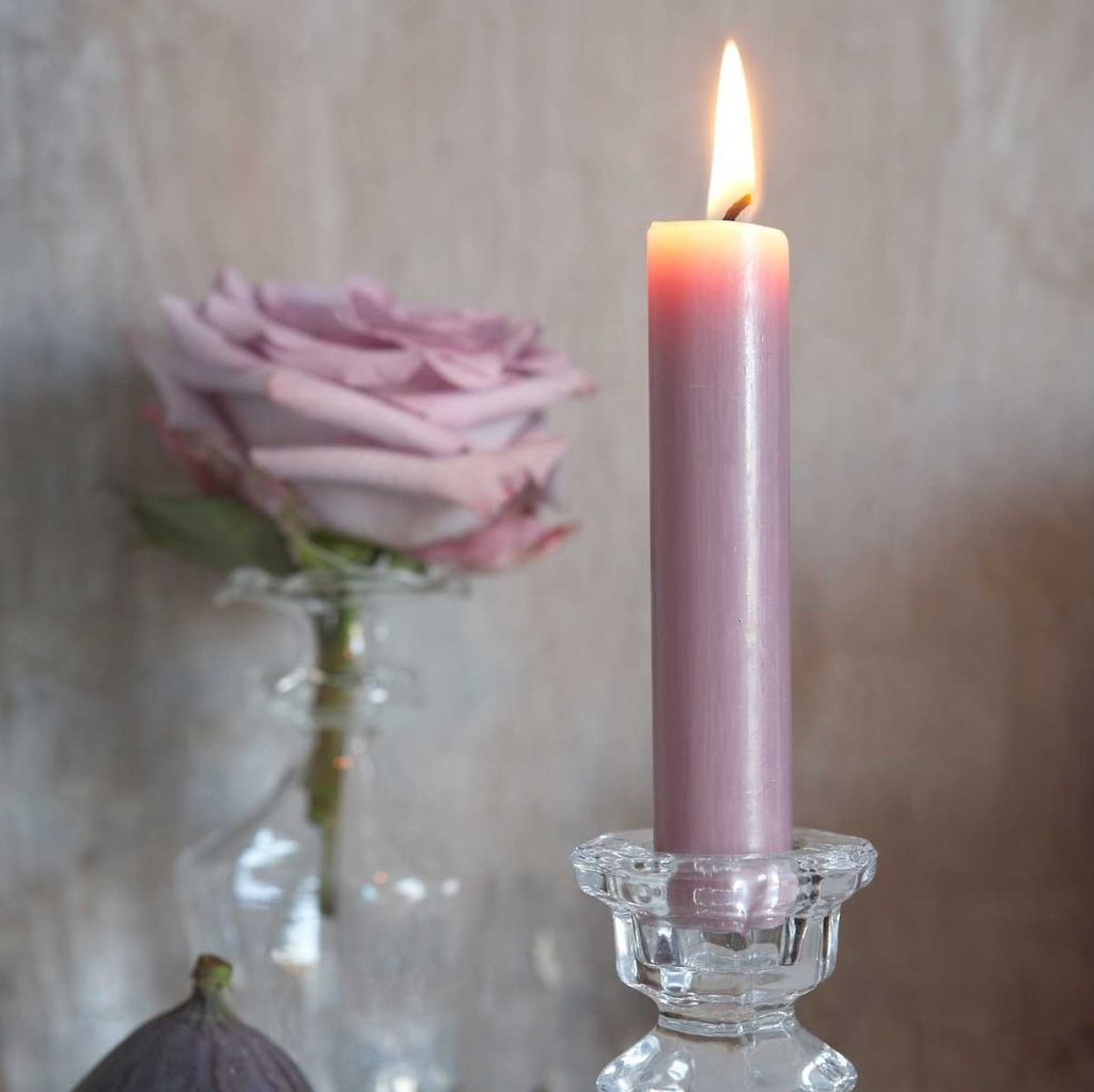 mauve-taper-dinner-candles