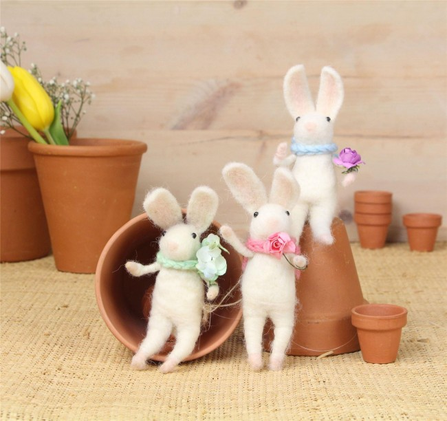 wool-easter-bunnies-set-3-white-with-flowers