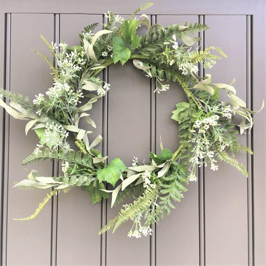 green-white-foliage-wreath