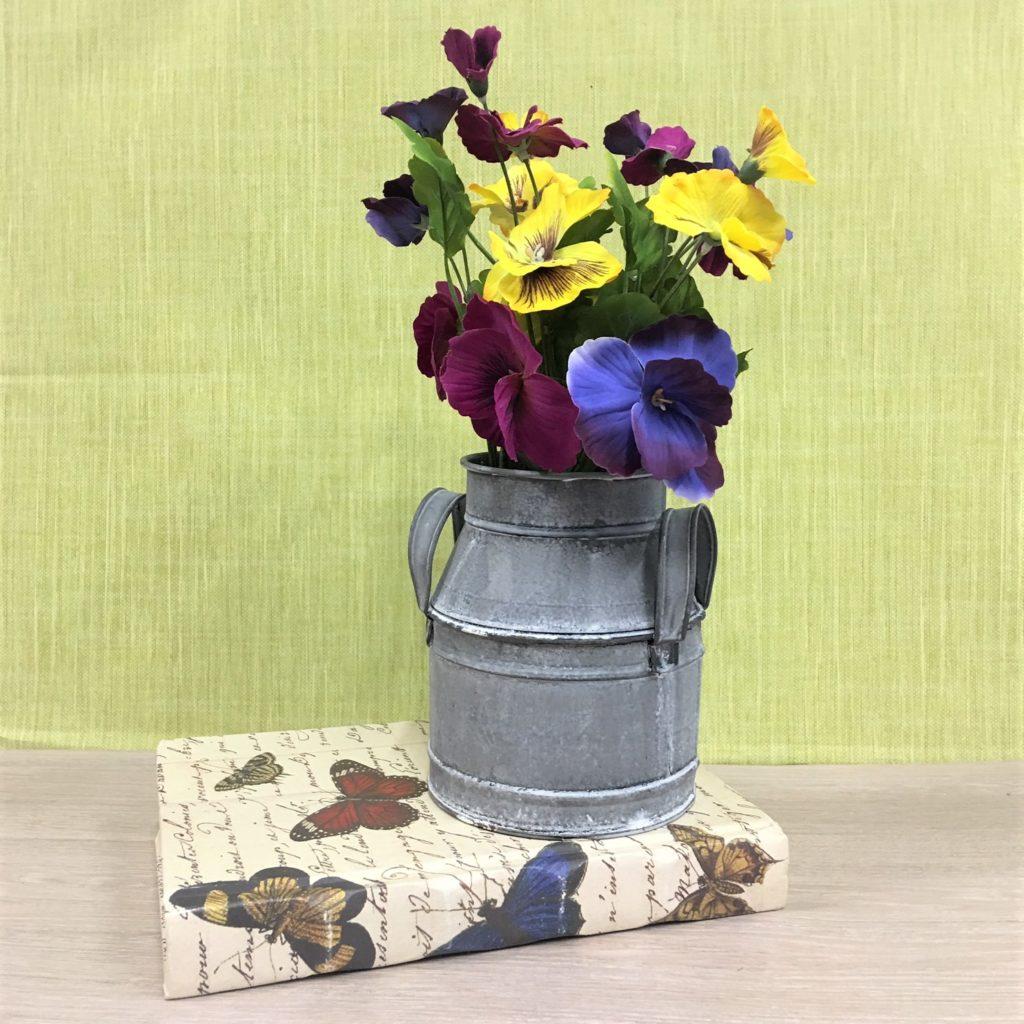 pansies-churn-arrangement-3