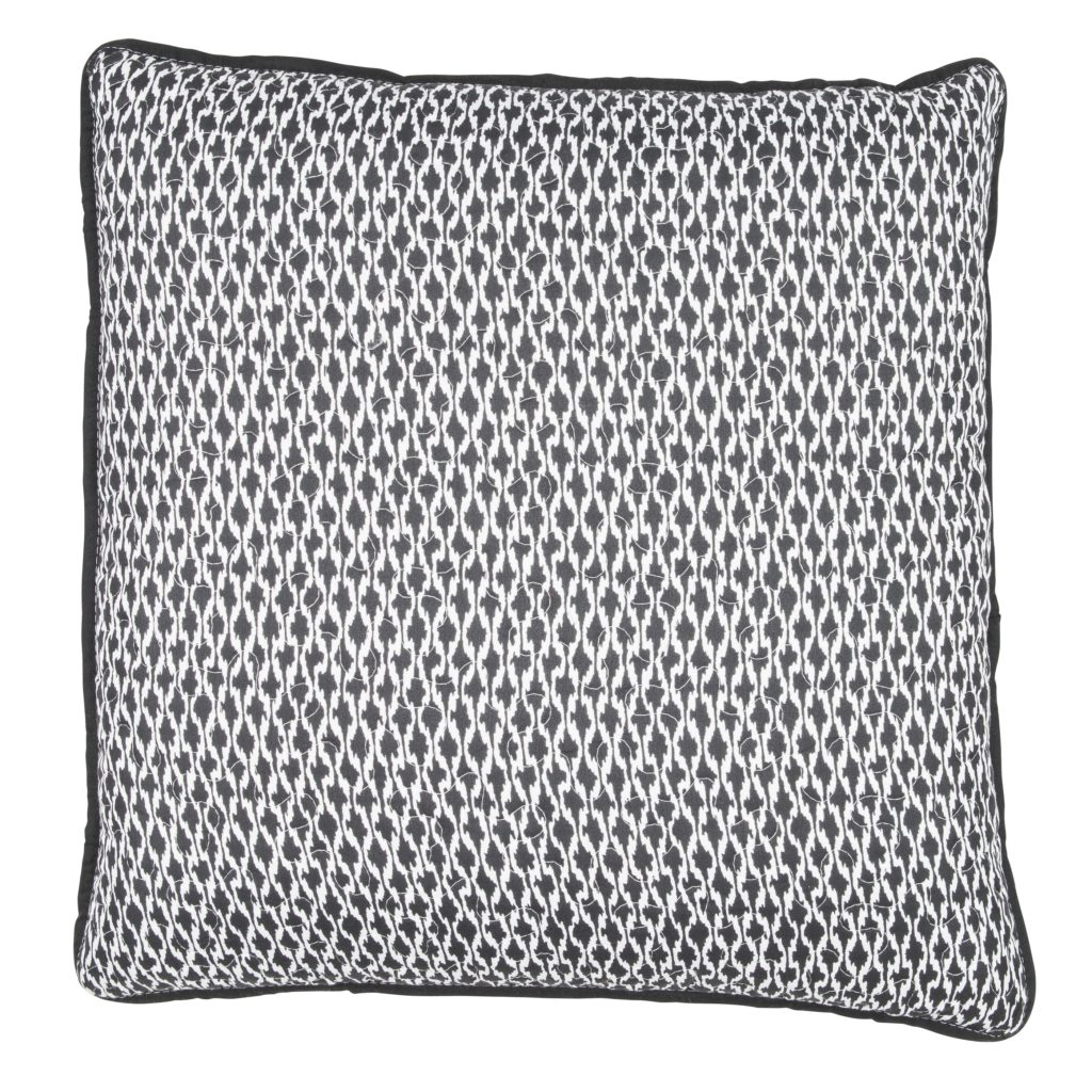 01024773274_Etno_cushion_black