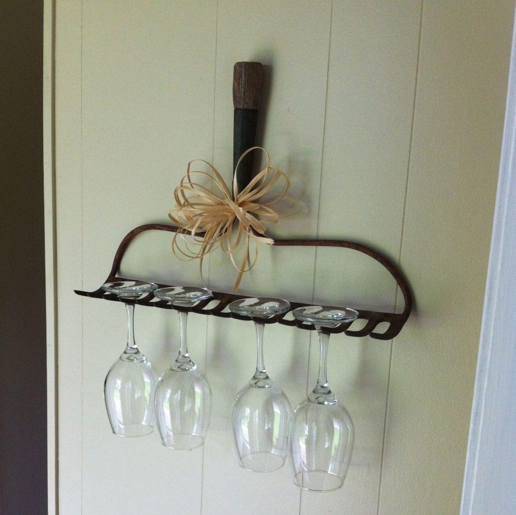Industrial-metal-wall-rake-glasses-holder-2