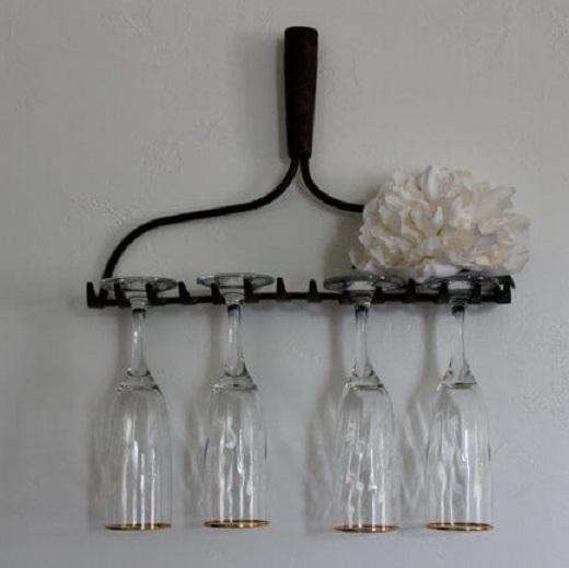 Industrial-metal-wall-rake-glasses-holder-3