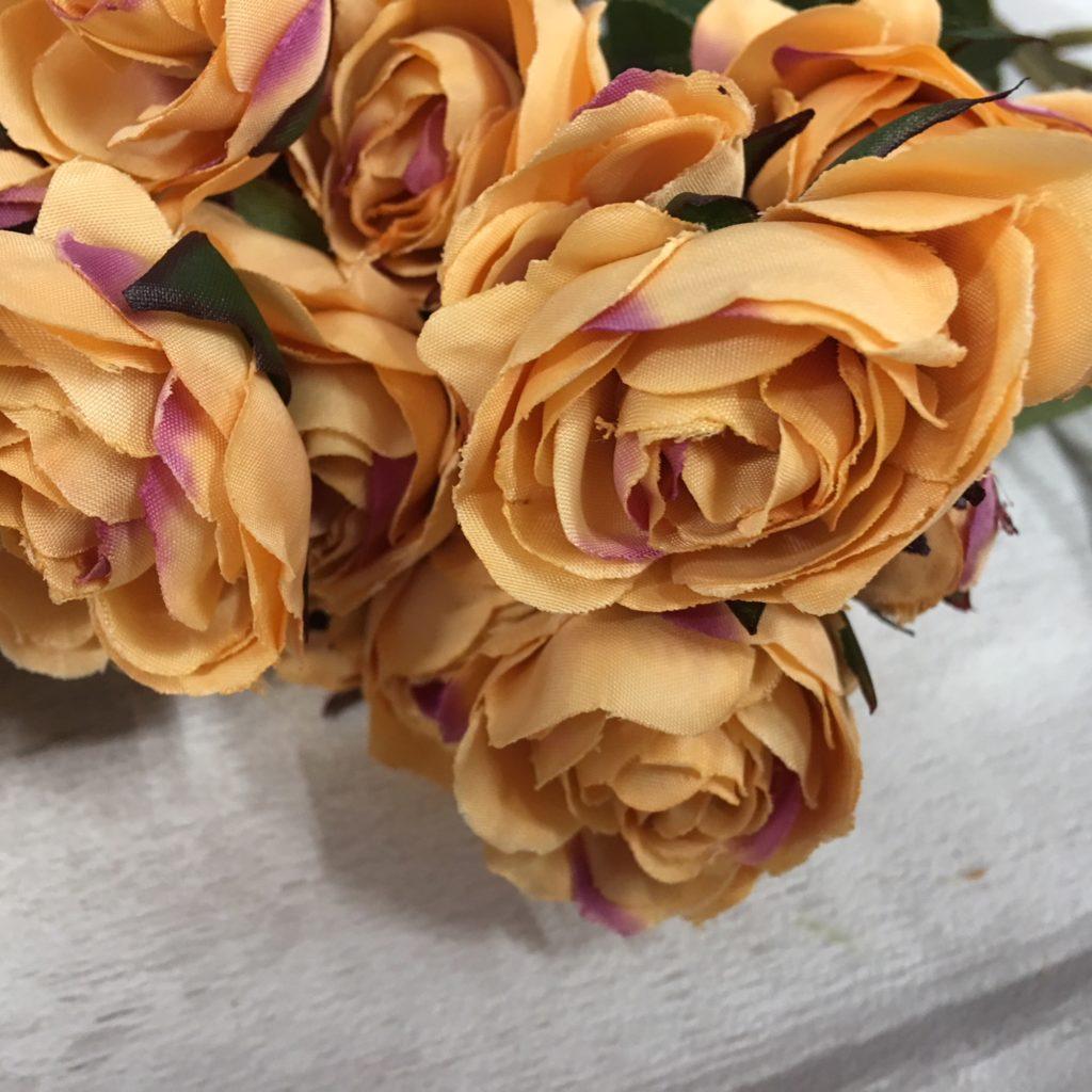 antique-gold-roses
