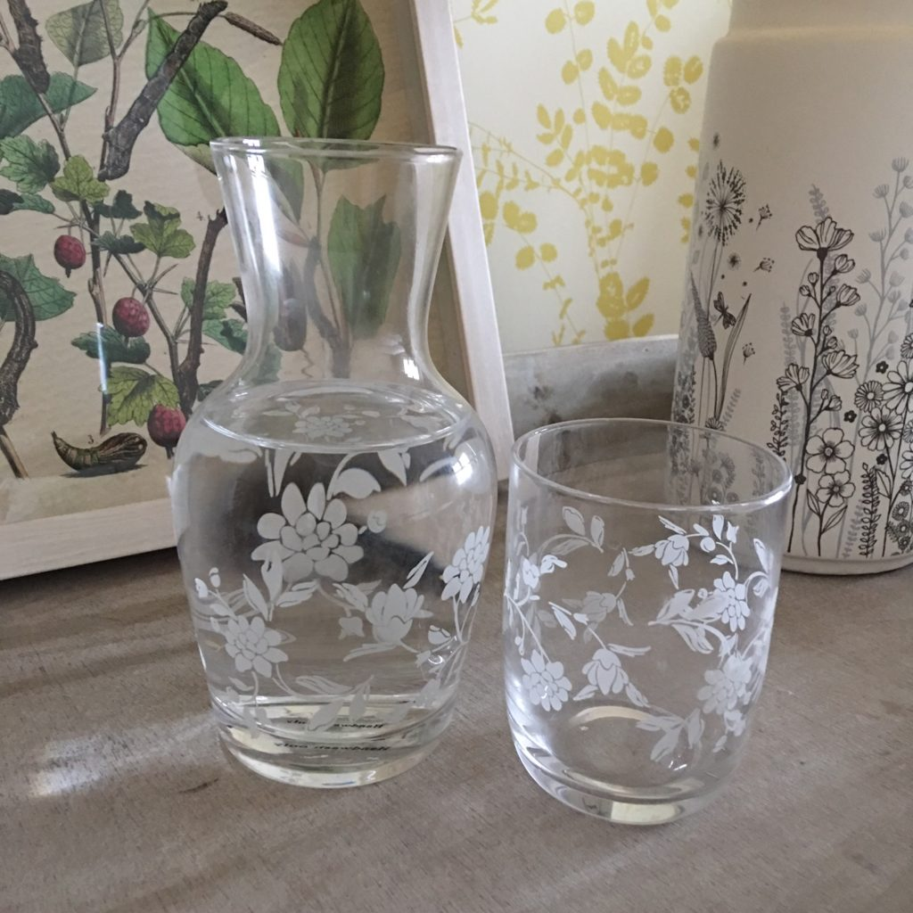 carafe-glass-flowers-1