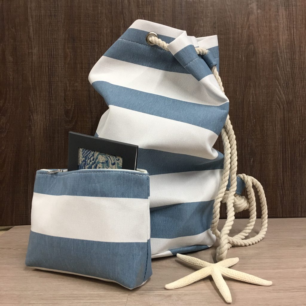 duffle-bag-blue-stripe