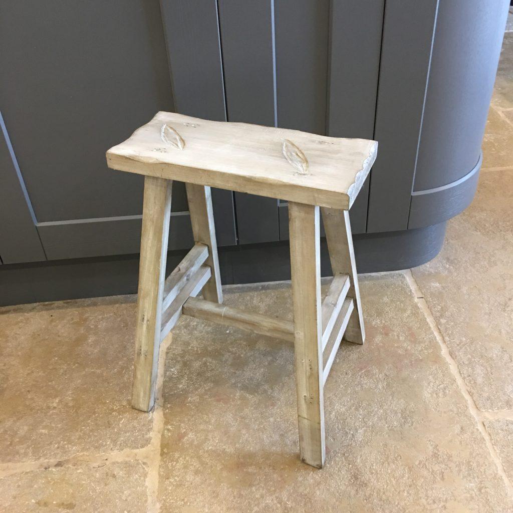 wooden-stool-3