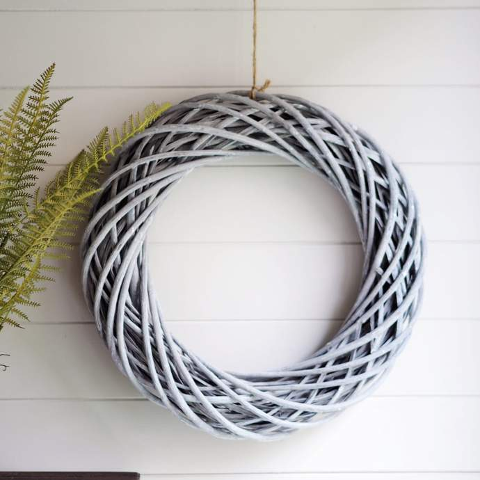 grey-wicker-wreath