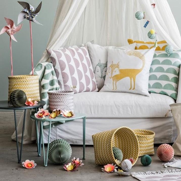 yellow-storage-baskets-fox-cushion